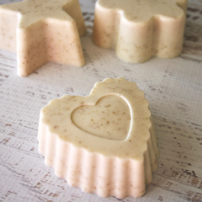 How To Make Oatmeal and Honey Goat Milk Soap Without Lye